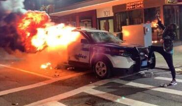 美已有140城爆发抗议 21州启动国民警卫队